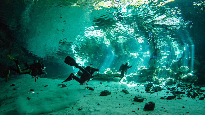 Why Is It Dangerous To Scuba Dive In A Cave